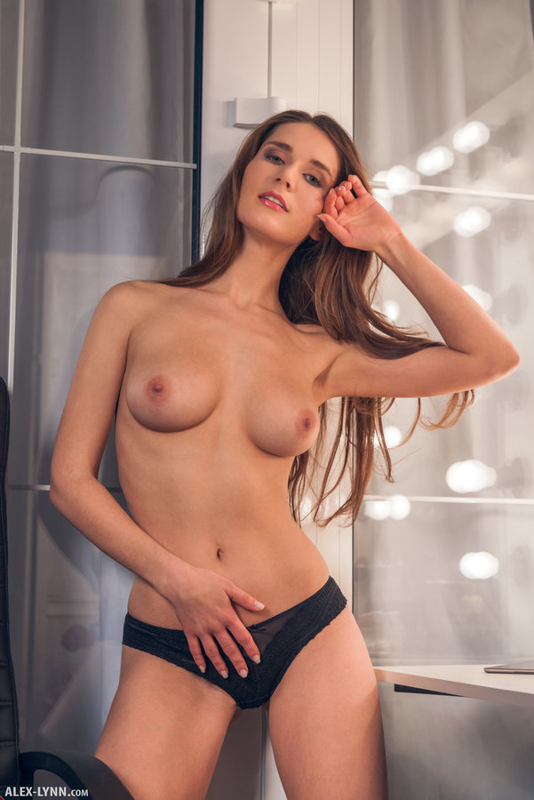 Hot Solo Babe Fingering