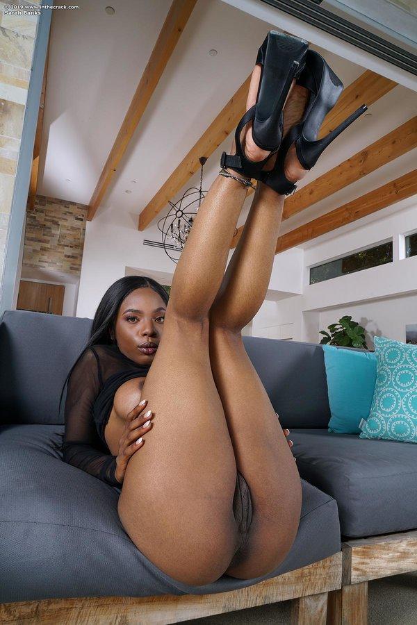 Ebony Sarah Banks Strips And Flaunts Her Massive Bubbly -2311