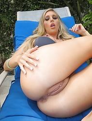 Gorgeous blonde girl Samantha Saint gets fucked hard
