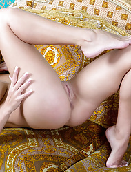 Sarika A's alluring beauty and irresistably scrumptious assets