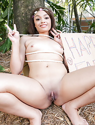 Shaved Jaye Austin with Small Nipples Giving Blowjob